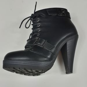 """Ardene ankle boots 4""""5 heels"""